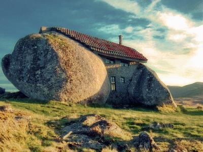 Дом-камень (173 kb)
